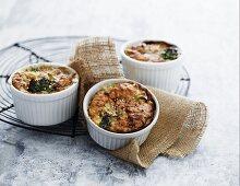 Broccoli gratin with sesame seeds