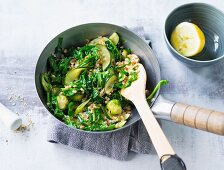 Vegetable and spelt wok with courgette