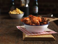 Chicken Wings mit Pulled Pork (USA)