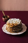 Flower-shaped pancakes with caramel sauce