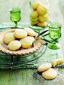 Lemon semolina biscuits