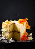 Citrus fruit and yoghurt cake with a clementine glaze