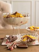 Quark dessert with gingerbread and orange fillets (Christmas)