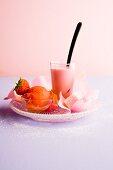 Dessertvariationen mit Rosen & Erdbeeren