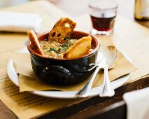 Onion soup with toasted bread