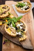 Artichoke and mushroom quiche with leek and goat's cheese