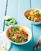 Chicken noodle salad with prawns