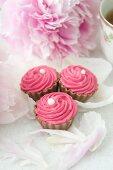 Pralines with raspberry cream