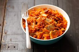 Herring with carrots, raisins and curry