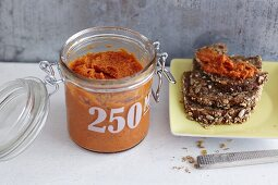 Tomato and carrot spread with tofu