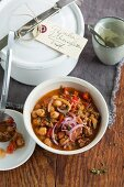Pepper and minced meat stew with chickpeas to take away