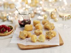 Breaded cheese canapés for Christmas