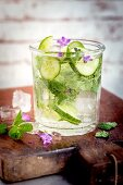 Cucumber and mint smoothie with flowers
