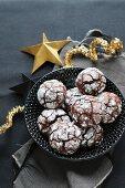 Gluten-free snowballs (hazelnut & cocoa cookies)