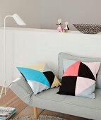 Kissen mit DIY-Hüllen im Tangram-Stil