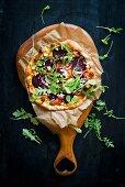 Pizza mit Roter Bete und Rucola