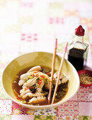 Drunken chicken with spring onions and chillis (China)