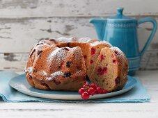 Redcurrant Bundt cake