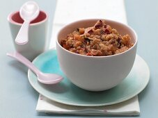 Wholemeal porridge with plum