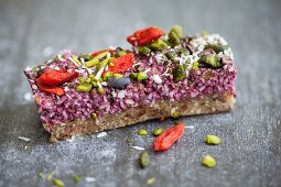 Raw superfood energy bites (energy bars)