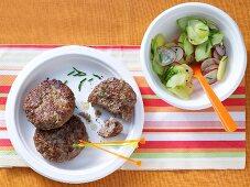 Onion burgers with potato salad