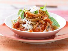 Spaghetti with tomato sauce and turkey breast strips