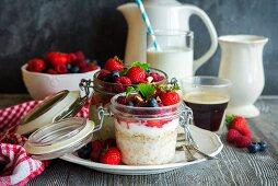 Bircher muesli (overnight oats) with berries