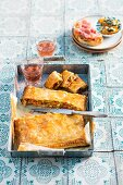 Puff pastry with tuna and peppers