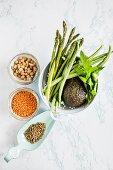 Gemüsezutaten für Hummus