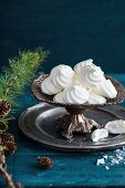Mini meringues for Christmas