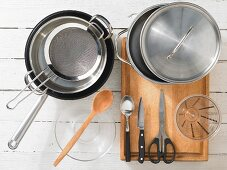 Kitchen utensils for making shellfish soup