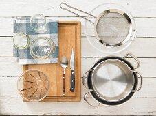 Kitchen utensils for preparing vegetable dishes