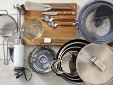 Kitchen utensils for preparing fish and vegetables
