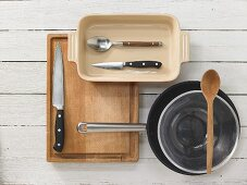 Kitchen utensils for making casseroles