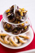 Fruity chocolate melts