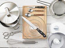 Kitchen utensils for preparing courgettes