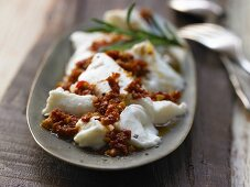 Marinated mozzarella with dried tomatoes