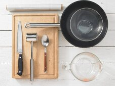 Kitchen utensils for making chicken slices