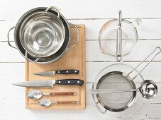 Kitchen utensils for making fish in aspic