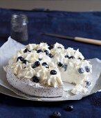 Pavlova with blueberries