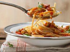 Pasta with tomato sauce and smoked tofu