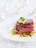 Entrecote with carrots and spring onions (Christmas)