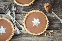 Small tarts with speculoos cream (Christmas)