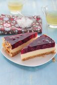 Vanilla and cherry cake with an amaretti base