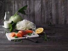 Kohlrabi noodles with salmon