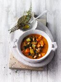 Vegan cabbage stew with white beans (Sirtfood)