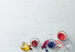 Energie aus Nahrung durch Fett, Kohlenhydrate, Ballaststoffe, Proteine, Vitamine, Mineralstoffe Spurenelemente und Wasser