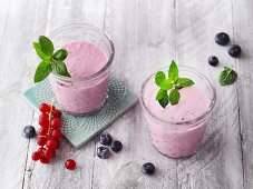 Beetroot smoothies with berries