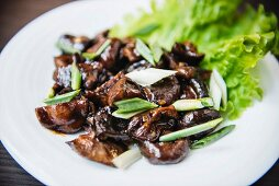 Mushrooms with spring onions (Asia)