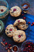 Gingerbread with cranberries and almonds